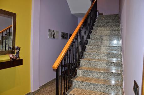 Algo asi pero para zapatos y abrigos hueco escalera t for Zapatero bajo escalera