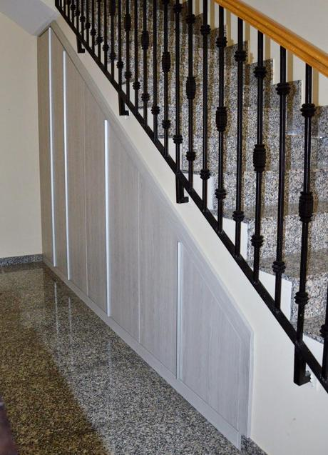 Nuestro armario en el hueco bajo la escalera paperblog - Armario bajo escalera ...