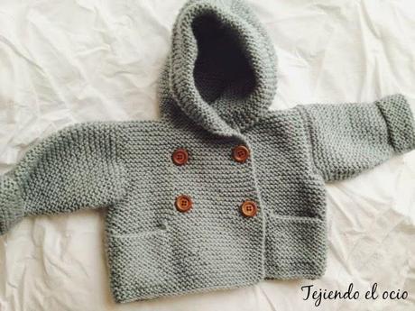 Chaqueta cruzada con capucha paperblog - Tejer chaqueta bebe 6 meses ...