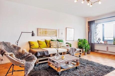 Decorando una casa con palets y tablas de madera paperblog - Sillon con palets de madera ...