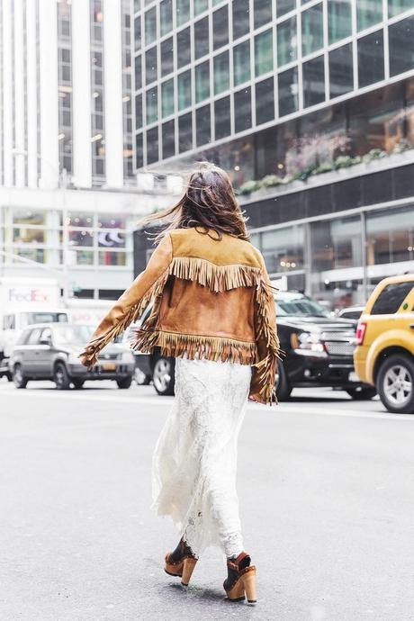 POLO_RALPH_LAUREN-NYFW-New_York_Fashion_Week-Suede_Fringed_Jacket-White_Lace_Skirt-Outfit-Street_Style-Collage_Vintage-29