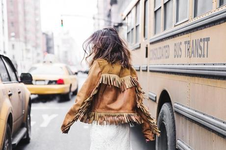 POLO_RALPH_LAUREN-NYFW-New_York_Fashion_Week-Suede_Fringed_Jacket-White_Lace_Skirt-Outfit-Street_Style-Collage_Vintage-48
