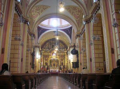 Convento de la Merced interior, Lima, Perú, La vuelta al mundo de Asun y Ricardo, round the world, mundoporlibre.com