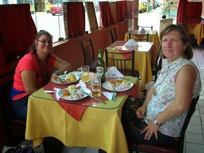 Restaurante Bahía Azul, Lima, Perú, La vuelta al mundo de Asun y Ricardo, round the world, mundoporlibre.com