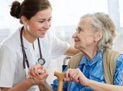 Vecinos entrometidos agresivos hogar ancianos