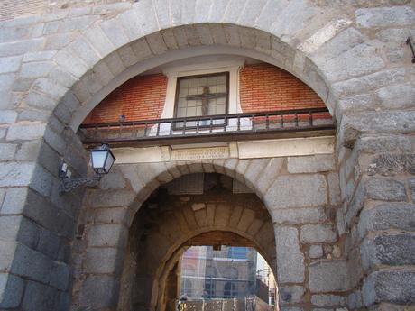 Un monumento de Toledo con mucha historia: La Puerta de Valmardón