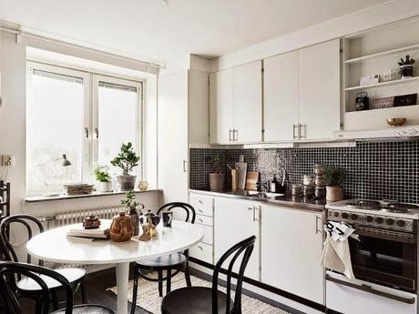Cocinas blancas grandes peque as en l o en u modernas for Cocinas clasicas pequenas