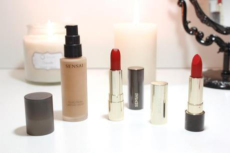 SENSAI  Base de maquillaje y labiales