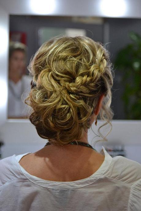 Ideas de peinados y recogidos para invitadas de boda - Peinados de boda para invitadas ...