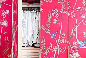 Forrar con papel pintado las puertas del armario paperblog for Papel pintado para puertas