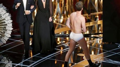 Neil Patrick Harris se pasea en calzoncillos al estilo 'Birdman' en los Oscars 2015