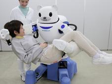"""Crean Japón """"oso-robot"""" para ayudar personas movilidad reducida"""