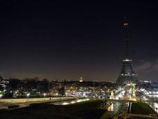 Cinco drones identificar sobrevuelan sobre París