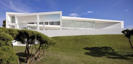 14 dise os de casas modernas en espa a paperblog for Casa minimalista tarragona