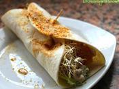 Rollitos wrap rellenos lechuga, alfalfa queso soja