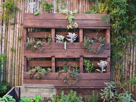 Verano verde y madera reciclada paperblog for Galerias jardines pequenos