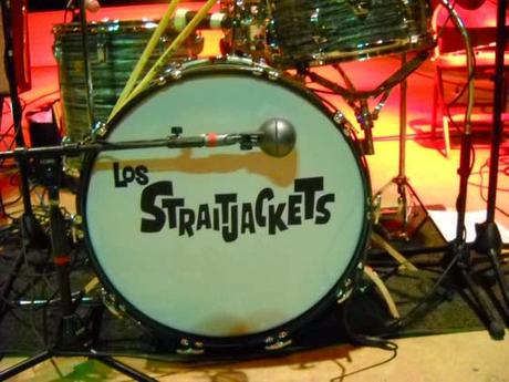 Los Straitjackets - You send me (Live) (2011)