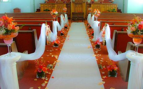 Facil y economica decoracion de iglesias para bodas for Decoracion facil y economica para el hogar