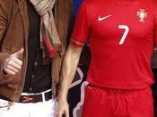 Cristiano Ronaldo envía peluquero museo cera para peine figura