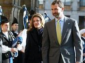 Príncipes Asturias llegan Oviedo. look Dña. Letizia