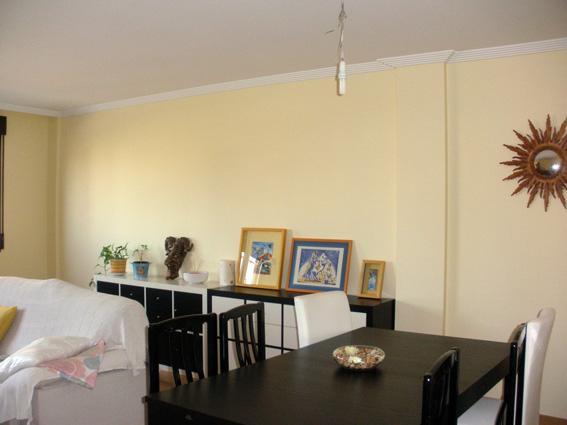 T preguntas pintar pared del sal n contraste c lido paperblog - Colores para paredes de salon ...