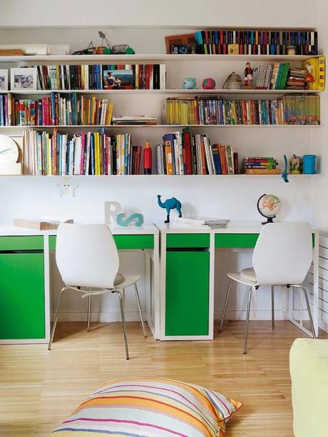 Decoraci n con estanter as de libros paperblog for Decoracion con libros
