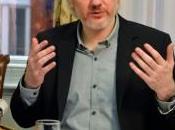 Assange, días entre cuatro paredes