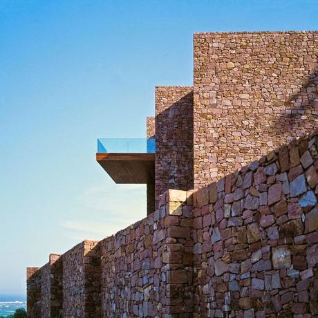 casa de piedra moderna