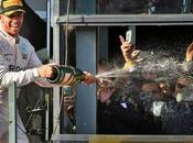 Lewis Hamilton sigue viviendo 2014