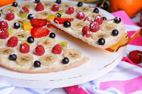 Pizza de fruta con queso Philadelphia