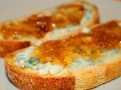 Tostada roquefort mermelada higo