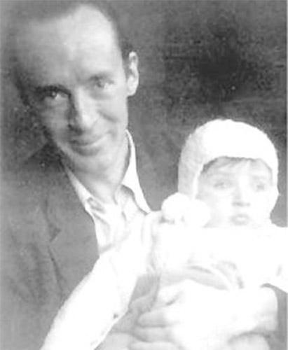 Vladimir Nabokov con su hijo Dmitri (1934)