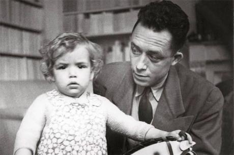 Albert Camus con su hija Chaterine
