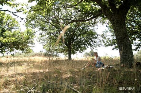 Plan slow para semana santa, excursión al campo, picnic a la sombra de un árbol