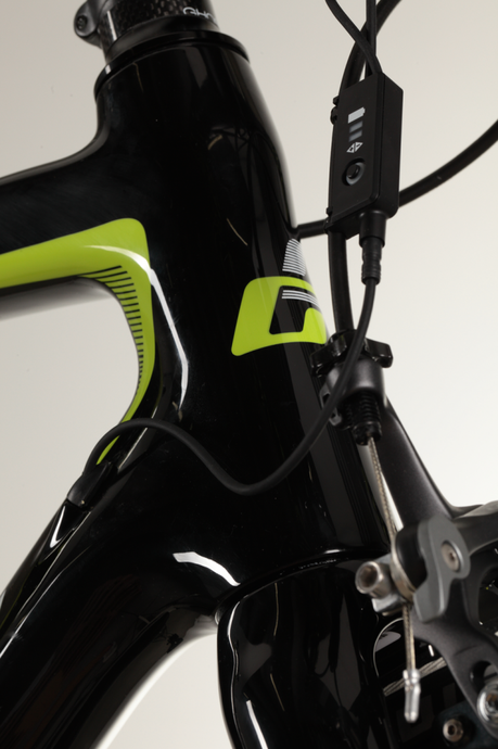 NIVOLET_6_LC_black-limegreen-white_D01_MG_9550