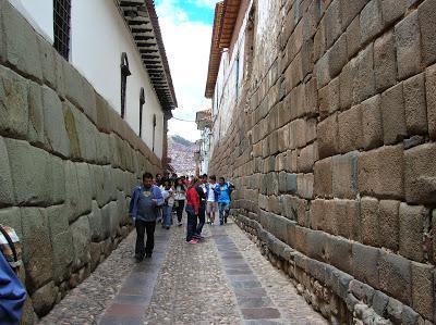 Callejón de Loreto, Cusco, Perú, La vuelta al mundo de Asun y Ricardo, round the world, mundoporlibre.com