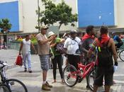RECREO organización CicloActivista Urbano Caracas presta bicicleta para practicar ciclismo