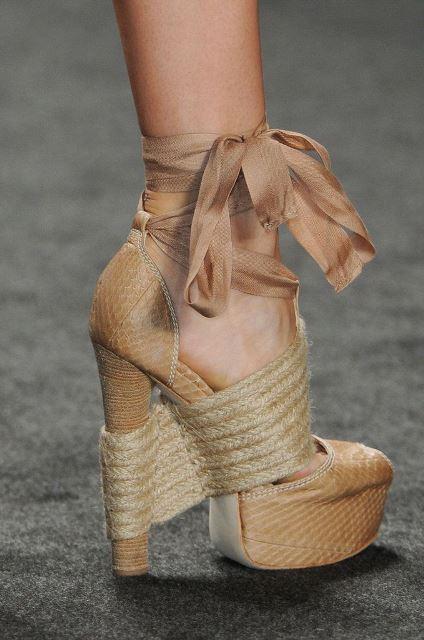 cuerda zapatos de tacón