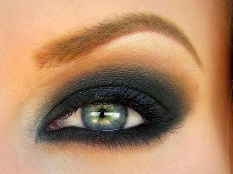 C mo maquillarse los ojos verdes paperblog - Como pintarse los ojos de negro ...