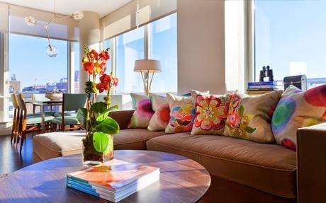 Ideas deco c mo combinar cojines en primavera paperblog for Combinar sofa gris marengo