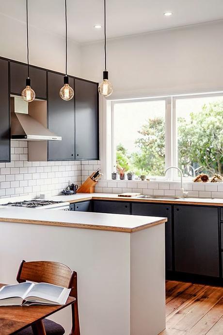 Cocinas negras elegantes cl sicas modernas grandes for Mesetas para cocinas pequenas