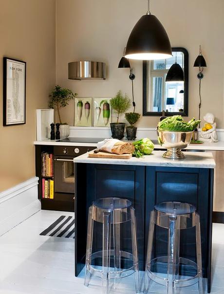 Cocinas negras elegantes cl sicas modernas grandes for Cocinas clasicas pequenas