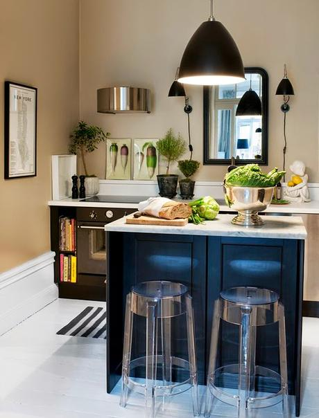 Cocinas negras elegantes cl sicas modernas grandes for Cocinas elegantes