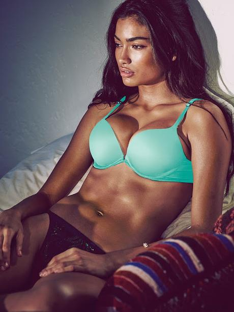 Kelly Gale sube la temperatura en nuevo shooting para Victoria's Secret