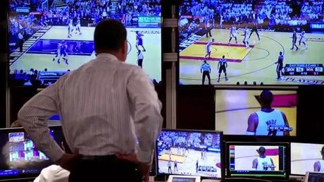 El centro audiovisual que analiza las decisiones arbitrales en la NBA