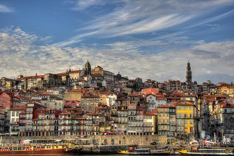 oferta-vuelo-puente-mayo-Oporto