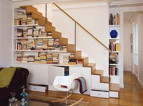 Estanter as bajo las escaleras small lowcost paperblog for Estanteria bajo escalera