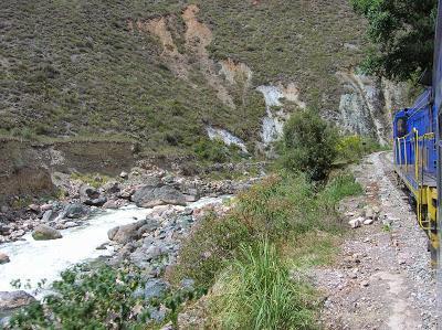 Trayecto del tren al Machu Picchu, Perú, La vuelta al mundo de Asun y Ricardo, round the world, mundoporlibre.com