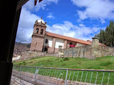 Iglesia de san Crstóbal, Cusco,  Perú, La vuelta al mundo de Asun y Ricardo, round the world, mundoporlibre.com