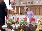 buckingham palace buscan lacayo